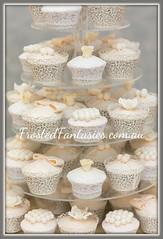 Vintage Cupcakes (frostedfantasiescakedesign) Tags: pearlcupcakes bowcupcakes vintagecupcakes wwwfrostedfantasiescomau frostedfantasiescakedesign copyrightfrostedfantasiescakedesign centalcoastcakeartist huntervalleycakeartist cottonandcrumbsinspired vintagelacecupcakes