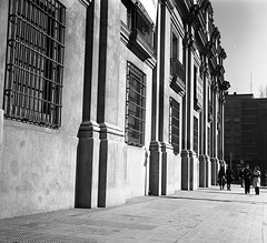 calle Moneda, en reparaciones (santiagonostalgico) Tags: chile obra patrimonio archivofotograficodirecciondearquitectura