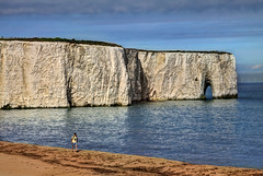 Rock Arch at Kingsgate Bay, Kent (**Anik Messier**) Tags: uk sea england white beach coast chalk kent ship arch britain shoreline cliffs coastal shore northsea gb coastline naturalarch rockarch chalkcliffs kingsgatebay coastaluk coastuk welcomeuk