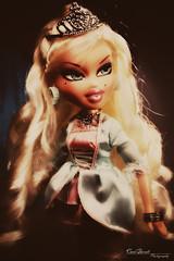 Luna (Carol Parvati ) Tags: doll luna costumeparty bratz cloe poutyprincess carolparvati carolparvatiphotography