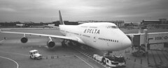 B747 (Mikhail Serbin) Tags: panorama usa ny film plane 35mm airplane airport delta fujifilm boeing boeing747 747 spotting airliners боинг