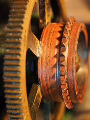 Detail from a rusty, old film projector (The Dagestad Collection) Tags: vorführgerät film moviemuseum earlycinema projector projecteur technical antique musée laiton brass museocinema vintage collection sciencemuseum beau collectibles vieux beautiful beauty innovation framheim british english german french 35mm 28mm 95mm 11mm 175mm bioscope cinema handkurbel handcranked silentmovie movieprojector stummfilm projecteurdecinema cinemaparadiso manivelle projecteurdefilm cinemamuseum philosophicalinstruments magiclantern lanternemagique laternamagica steampunk burningman preuss tekniskmuseum museum vintagecinema precinema filmmuseum hometheatre kino lantern lanterne laterna lecinemachezsoi mls movie opticaltoy collectorsobject restoration sammlung science optics restaurering technicalantiquities technichesmuseum toy magiclanternsociety