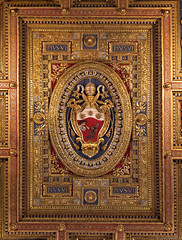 Basilica di San Giovanni in Laterano ceiling (NykO18) Tags: italy rome roma art woodwork europe cathedral basilica faith religion manmade carvings lazio basilicadisangiovanniinlaterano archbasilicaofsaintjohnlateran