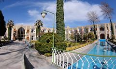 sfahan Hotel Abbasi (Sinan Doan) Tags: architecture hotel nikon iran esfahan isfahan kervansaray ran hotelabbasi abbasikervansaray sfahan abbasicaravanserai