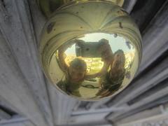 Maçaneta dourada (LetsLetsLets) Tags: reflection golden lisboa dourado reflexo 2014 maçaneta junho