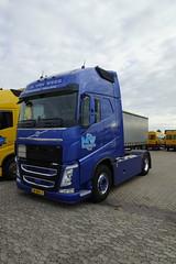 Volvo FH 470 M. van Wees Transport Nistelrode met kenteken 58-BHL-5 in Oss 08-10-2016 (marcelwijers) Tags: volvo fh 470 m van wees transport nistelrode met kenteken 58bhl5 oss 08102016 lkw truck vrachtauto vrachtwagen trekken camion noord brabant nederland niederlande netherlands trucks internationaal