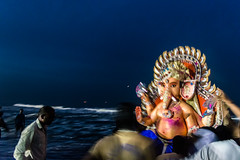 Final Blessings | Ganesh Visarjan series | Chennai Foreshore estate 2016 (vjisin) Tags: ganpathibappa ganpativisarjan festival prayers marina idol immersion tradition chennaiweekendclickers seashore cwc mychennai chennai india asia nikon nikonofficial indianstreetphotography documentary nikond3200 composition streetphotography street ngc cwc552 idol ganeshidol immersion outdoor people sea man indianheritage indianman