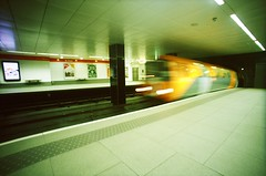 (golfpunkgirl) Tags: glasgow uk travel holiday friends bestfriends pepper sunny museums food kelvingrove moma train place airport sept2016 lomo lomograohy lcwide wide film 35mm 17mm lomo400 negfilm scotland