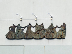 The Seven Sisters - Relief Sculpture in Sandnessjen (1) (Phil Masters) Tags: 22ndjuly july2016 norway norwayholiday sandnessjen sandnessjoen sevensisters thesevensisters sculpture relief