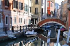 Italien Venedig DSC_0881A (reinhard_srb) Tags: italien venedig lagune insel meer stadt urlaub freizeit reise ferien tourismus brücke kanal gasse boot treppe geländer wasser spiegelung sonne morgen