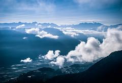 Talblick morgens (r0llinger) Tags: 2014 sdtirol altoadige wolken berge felder sonne