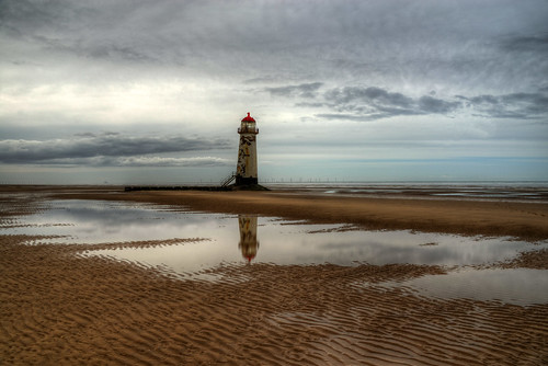 TALACRE LIGHTHOUSE, TALACRE, POINT OF AYR, NORTH WALES, UNITED KINGDOM.