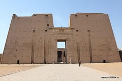 Temple of Horus (Malin and Espen) Tags: africa travel temple egypt horus espen overland malin edfu unurban idfu aasen hiseth hoiseth