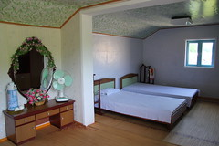 Homestay village bedroom (Ray Cunningham) Tags: de kim north korea communism rpublique socialism core populaire dprk coreadelnorte ilsung demokratische  jongil   dmocratique jongun  rpdc volksrepublik   pochon northkoreanphotography raycunninghamnorthkoreanphotography