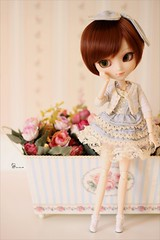 Vintage girl (AninhaDias) Tags: flowers brown white set canon vintage 50mm outfit doll s powder plastic santorini diana planning groove pullip boneca jun mueca plstico poupe obitsu 27cm rewigged crobidoll tiphona
