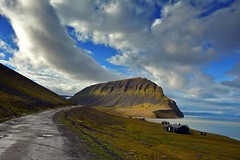 fuglefjellet on svalbard (jbills756) Tags: norway nikon hiking svalbard arctic nikkor spitsbergen longyearbyen 1685 d7100 fuglefjellet bjorndalen