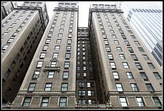 Executive Plaza at Rockefeller Center (Vi) Tags: newyorkcity usa ny newyork west manhattan w midtown eua janela 7thave theaterdistrict novaiorque grayline julho2013 26072013 downtownloopplus alllooptour72h w51stst7thave executiveplazaatrockefellercenter
