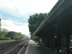 20050527 17 Metra, Riverside, IL (davidwilson1949) Tags: railroad train illinois riverside transit metra bnsf