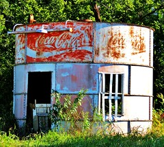 Coca-Cola (tikitonite) Tags: