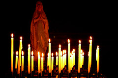 maria (BigZoic) Tags: street rome roma art church italia maria prayer ave flamme amen bougies eglise italie bougie priere