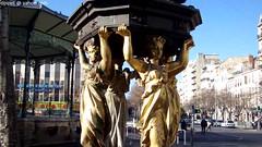 une fontaine Wallace (Dominique Lenoir) Tags: france fountain video marseille brunnen fuente provence fontana fontaine bron southfrance bouchesdurhône provencealpescôtedazur 13001 dominiquelenoir