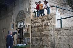 MEZZ_100330_9371 (Custody of the Holy Land - Photo Service (CPS)) Tags: holyland jerusalem oldcity terrasanta terresainte child children islam muslim street