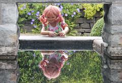 Spieglein, Seglein an der Wand .................................. es ist unser 5.000 stes Bild im Flickrland (Kindergartenkinder) Tags: dolls himstedt annette kindergartenkinder essen park gruga sanrike wasser jubilum