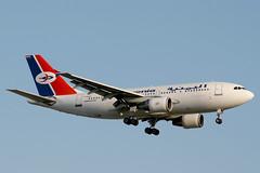 F-OGYO Airbus A.310-324 Yemenia (pslg05896) Tags: fogyo airbus a310 yemenia lhr egll london heathrow