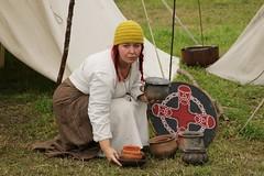 192 Haithabu WHH 17-07-2016 (Kai-Erik) Tags: geo:lat=5449041121 geo:lon=956666783 geotagged haithabu hedeby heddeby heiabr heithabyr heidiba siedlung frhmittelalterlichestadt stadt wikingerzeit wikinger vikinger vikings viking vikingr huser vikingehuse vikingetidshusene museum archologie archaeology arkologi arkeologi whh wmh haddebyernoor handelsmetropole museumsfreiflche wall stadtwall danewerk danevirke danwirchi oldenburg schleswigholstein slesvigholsten slesvigland deutschland tyskland germany 8sommermarkt hndler handwerk handwerker markt wikingermarkt marktgeschehen 17072016 17juli2016 17thjuly2016 07172016 httpwwwhaithabutagebuchde httpwwwschlossgottorfdehaithabu