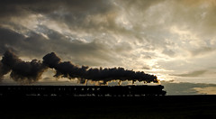 Sillhouette Scotsman (Nigel Gresley) Tags: 60103 flying scotsman sillhouette sun smoke