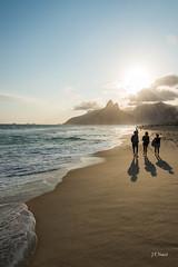 Ipanema - RJ (Jos Eduardo Nucci) Tags: landscape southamerica ipanema brazil riodejaneiro silhouettes backlight shadows photography joseduardonucci people