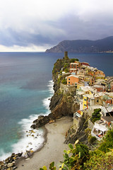 Vernazza (-Dam-) Tags: cinqueterre italy nd400 1022mm