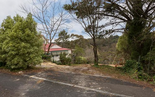 23 Glenview Road, Wentworth Falls NSW 2782