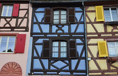 Finestre colorate - Coloured windows (Ola55) Tags: ola55 france francia case houses colours colori finestre windows colmar italians doorsandwindowsaroundtheworld hccity