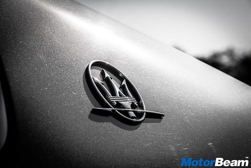 2017-Maserati-Ghibli-08