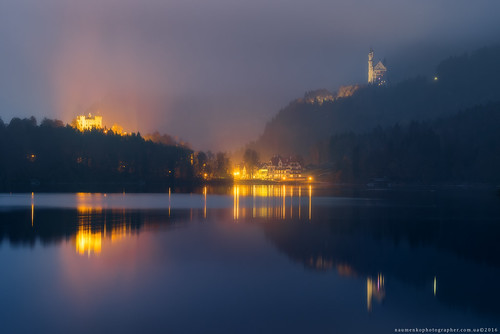 Germany. Bavaria. View of the castle of Neuschwanstein and Hohenschwangau with lake Alpsee