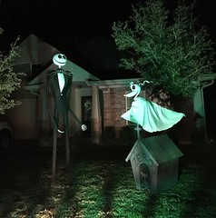 Jack Skellington, Zero and Zero's Doghouse (fambee) Tags: jack skellington zero nightmare before christmas halloween yard decoration art props