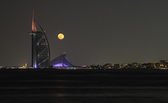 Burj Al Arab and Supermoon (mattharvey1) Tags: dubai unitedarabemirates uae burjalarab supermoon full moon fullmoon jbrhotel thewave
