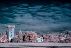 Palacio de Ayanz (Lnguida) IR (Alejandro Garca Seplveda) Tags: palacio torre ayanz longuida navarra nubes cielo arboles sol infrarroja