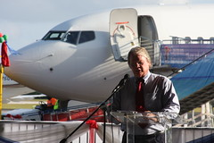 Minister of Tourism (Don McDougall) Tags: donmcdougall caymanislands cayman caymanairways grandcayman owenrobertsinternationalairport oria cal aviation flight transport christening celebration airline