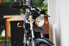 DSC062393 (oerzada) Tags: nex 5n nex5n minolta md 135mm sony suzuki motorcycle old