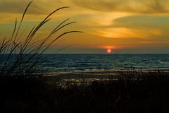 Luz del Sur (pp diaz) Tags: espaa color luz contraluz atardecer mar andaluca playa paisaje cdiz ocaso rota costaballena playadelinfante