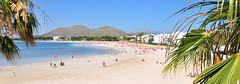Alcúdia (anexxx) Tags: city trees sea summer panorama españa holiday mountains beach spain nikon day sunny playa tourists palm sunbath mallorca palma majorca wakacje alcudia d300 majorka plaża hiszpania nikkor1685 anexxx