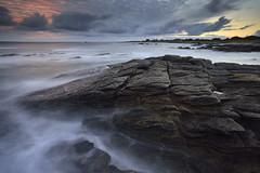 Lever de soleil sur la pointe de la Gournaise #4 ~ le d'Yeu [ Vende ~ France ] (emvri85) Tags: seascape zeiss sunrise rocks waves rochers le vende yeu ctenord iledyeu dyeu leefilters d800e lagournaise