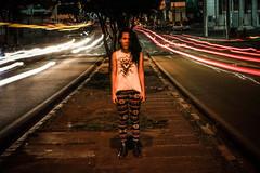 Paula (evaniavb) Tags: street light cars luz canon ensaio mo teen carros rua caruaru pernambuco longaexposio longtime evania t2i sanhar evaniavb