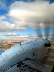 cameraphone plane airplane flying photoaday blueskies... (Photo: katielsalter on Flickr)