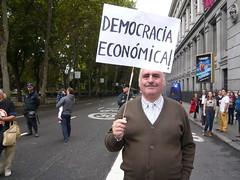 """UN NUEVO CONCEPTO CREADO POR EL 15M """"DEMOCRACIA ECONÓMICA"""" 19O#275 (Jül2001) Tags: protest protesta revolución manifestaciones protestas mareas spanishrevolution 15mayo movimientossociales luchasocial indignados democraciarealya acampadasol movimiento15m"""