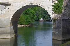 Chenonceaux (Indre-et-Loire) (sybarite48) Tags: bridge france castle rio ro river fiume rivire ponte most castelo pont brug brcke fluss castello chteau kale  castillo chenonceau burg kasteel kpr lecher chenonceaux rivier nehir zamek     rzeka  indreetloire         puante