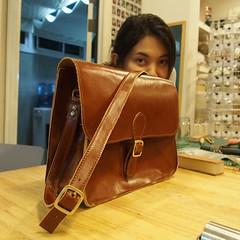 นักเรียนพี่นกกับกระเป๋าใบสอง ปกติตัดหนัง(โฆษณา) ครานี้มาตัดหนัง(กระเป๋า)