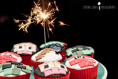 Minecraft (Serena178) Tags: birthday cake candles sparklers cupcake fondant odc lettherebelight minecraft minecraftcupcakes
